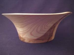 Gedrechselte Holzschale aus Esche mit Braunkern mit schöner Maserung - Handarbeit kaufen