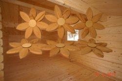 Holzblumen handgemacht für die Wand oder zum Aufhängen