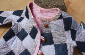 leichte Mädchen Steppjacke,- mit Jeans-Patch,- Upceycling,- Größe:116-122 cm,- Unikat - Handarbeit kaufen