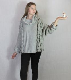 Pullover mit einzigartiger verzierten Zöpfen  - Handarbeit kaufen