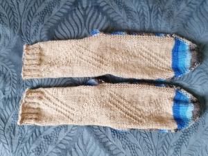 bunte Socken Gr.38/39 mit dezentem Einstrickmuster, handgestrickt mit der 2-Nadel-Technik - Handarbeit kaufen