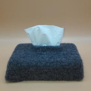 gefilzte, graue Taschentücherhülle für Taschentücherbox