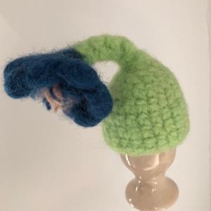 blau grüner gefilzter Eierwärmer in Form einer Blume - Handarbeit kaufen