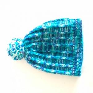 Klassische blaue Bommelmütze, Kopfumfang ca. 34cm  - Handarbeit kaufen