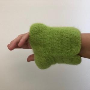 gehäkelt und gefilzte grüne Armstulpen  GrößeXL/ XXL - Handarbeit kaufen
