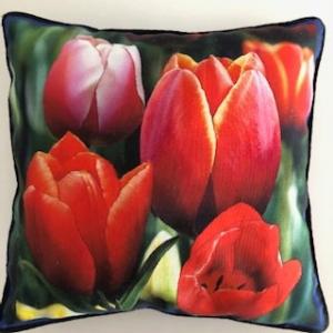 Kleines Kissen mit Blumen / Tulpen  - Handarbeit kaufen