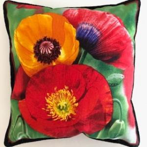 Kleines farbenfrohes Kissen mit Blumen / Mohn  - Handarbeit kaufen