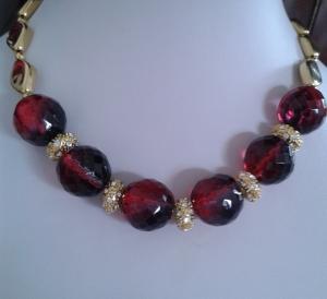 Schmuck Perlenkette Halskette Collier  in rubinrot und gold mit Strassrondellen 44 cm + 4 cm Verlängerungskettchen