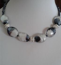 Schmuck Halskette aus Lampwork Perlen und Kristall Perlen 48 cm
