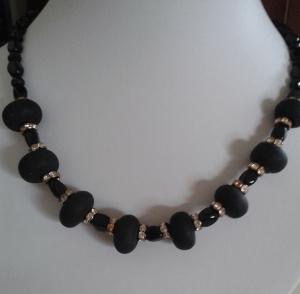 Schmuck Perlenkette aus böhmischen Glas-Perlen  Donut mit Kristallen 50 cm