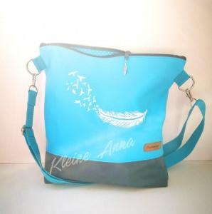 Handtasche Türkis und Grau, aus Kunstleder ,bestickt mit Feder weiß