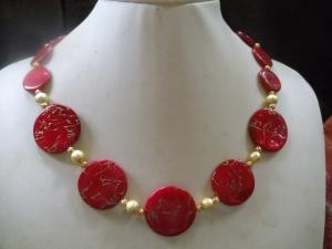Rote Zora Perlmutt mit goldfarbenen Linien überzogen - Handarbeit kaufen
