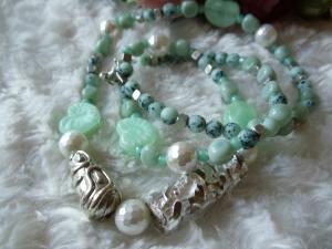Mintfarbene Perlen mit Muschelspiralen und 2 versilberten Perlen    - Handarbeit kaufen