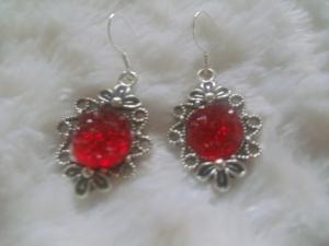 Niedliche Ohrhänger im Vintage Stil rot - Handarbeit kaufen