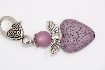 Wunderschöner Engel / Schutzengel aus Polarisperlen und gefärbter Lava Perle