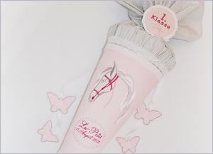 Schultüte Zuckertüte aus Stoff Pferd mit Namen bestickt - Handarbeit kaufen
