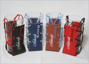 Glashalter Schorlehalter aus  Filz oder Kunstleder mit Wunschtext bestickt - Handarbeit kaufen