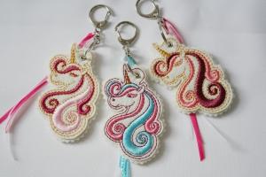 Schlüsselanhänger aus Filz Einhorn, auch in vielen anderen Farben erhältlich - Handarbeit kaufen