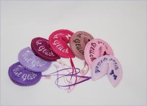 Glückskeks aus Filz zu jedem Anlass in vielen Farben erhältlich - Handarbeit kaufen