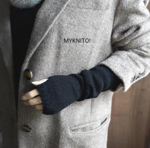 ARMSTULPEN, lang,  Wolle, schwarz, handgestrickt, fingerlose Handschuhe  - Handarbeit kaufen