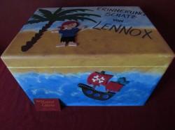 Handbemalte Erinnerungskiste aus Holz mit Piratenmotiv kaufen