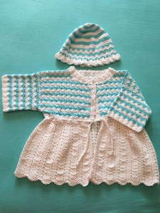 Baby-Jacke mit Mütze