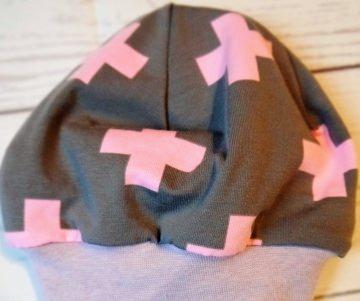 Beanie Kreuze rosa selbstgenäht Kopfumfang 39-41