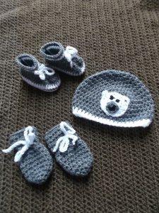 Gehäkeltes Babyset für Neugeborene, Mütze, Schühchen und Fäustlinge