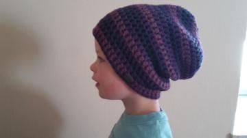 Gehäkelte Mütze Longbeanie für Kinder, Winter lila