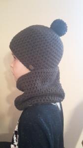 Gehäkelte Mütze und Loop für Kinder, Winter in braun