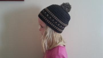 Gehäkelte Mütze Pudelmütze für Kinder, Winter mit Bommel in braun