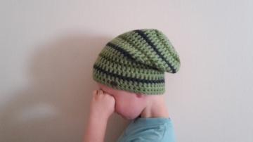 Gehäkelte Mütze Longbeanie für Kinder, Winter in grün grau