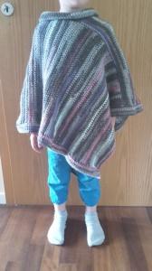 Gehäkelter Poncho für Kinder Größe ab ca. 116 in grau