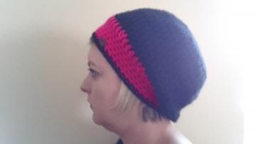 Gehäkelte Mütze Ballonmütze für Frauen Winter in schwarz pink