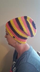 Gehäkelte Mütze Longbeanie für Frauen Winter in gelb lachs dunkelrot