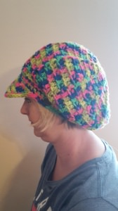 Gehäkelte Mütze Ballonmütze mit Schirm für Frauen Winter in multicolor  bunt