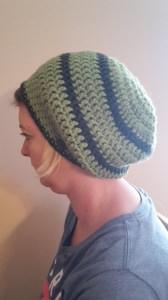 Gehäkelte Mütze Ballonmütze für Frauen Winter in grün grau