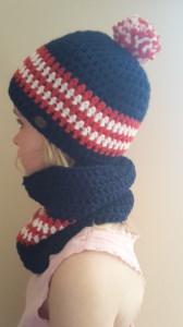Gehäkelte Mütze und Loop für Kinder, Winter in dunkel blau weiß rot