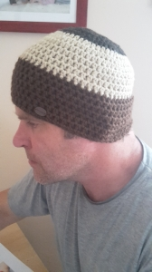 Gehäkelte Mütze für Männer, Winter  in verschiedenen Braun tönen