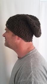 Gehäkelte Mütze für Männer, Winter  in dunkelbraun braun mit Muster
