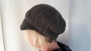 Gehäkelte Mütze Schirmmütze Ballonmütze für Frauen Winter  in grau mit Alpaka Wolle