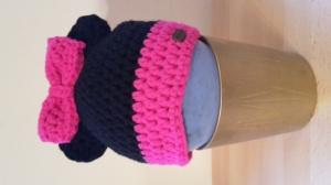 Gehäkelte Mütze für Kleinkinder für den Winter in schwarz pink Maus mit Ohren und Schleife