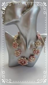Wunderschöne Halskette/Collier  FLORA in creme und rosé