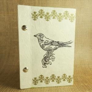 Buchschrauben-Buch mit Vogel, goldenen Ornamentbändern und hellgrünem Rand Din A6 - Handarbeit kaufen