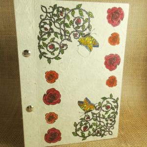 Buchschrauben-Buch mit Rosensträuchern, Schmetterlingen und einzelnen Rosen Din A5 - Handarbeit kaufen
