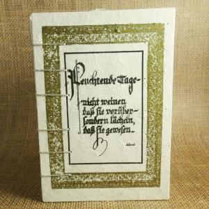 Mittelalterliches Coptic-Stitch-Buch mit goldenem Rahmen und einem Zitat von Kant Din A6 - Handarbeit kaufen