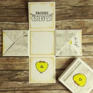 Mini-Explosionsbox zu Ostern mit Küken, Holzmuster und Oster-Gruß in Weiß und Gelb - Handarbeit kaufen