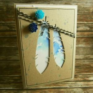 Handgemachte Klappkarte mit ausgestanzten Federn in Blautönen Din A6 - Handarbeit kaufen