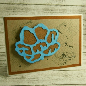 Handgemachte Klappkarte mit großer blau-brauner Blüte im Grungestil Din A6 - Handarbeit kaufen