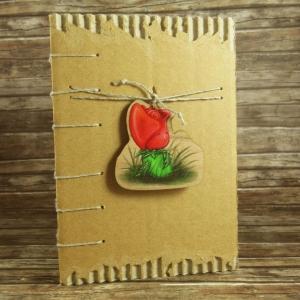 Nachhaltiges Notizbuch mit Coptic-Stitch-Bindung und Holzanhänger Rosenmädchen Din A6 - Handarbeit kaufen